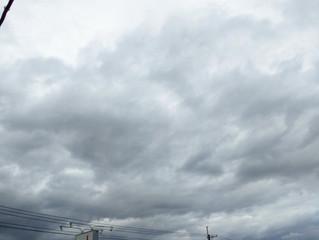 怪しい雲行き。