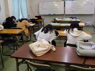 午前中は、中1,2生の補習です。