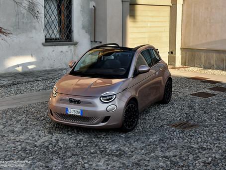 FIAT 500e: recensione e prova consumi reali dell'elettrica italiana (Video)