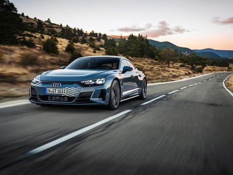 Audi e-tron GT: foto, caratteristiche e versioni della berlina sportiva elettrica