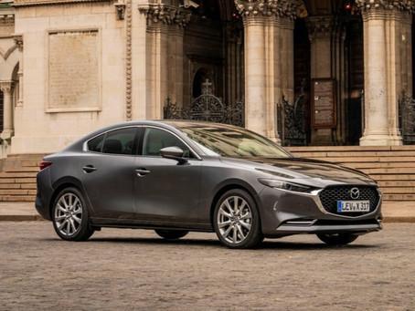 Mazda3 Sedan, la berlina tre volumi arriva in Italia: motori e prezzi