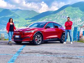 Ford Mustang Mach-E: prova su strada del SUV elettrico sportivo (Video)