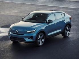 Volvo C40 Recharge: foto e caratteristiche del SUV elettrico che si compra solo online