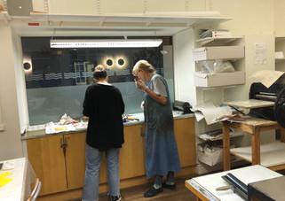 Ulli Evans (teacher) discuss inking & wiping