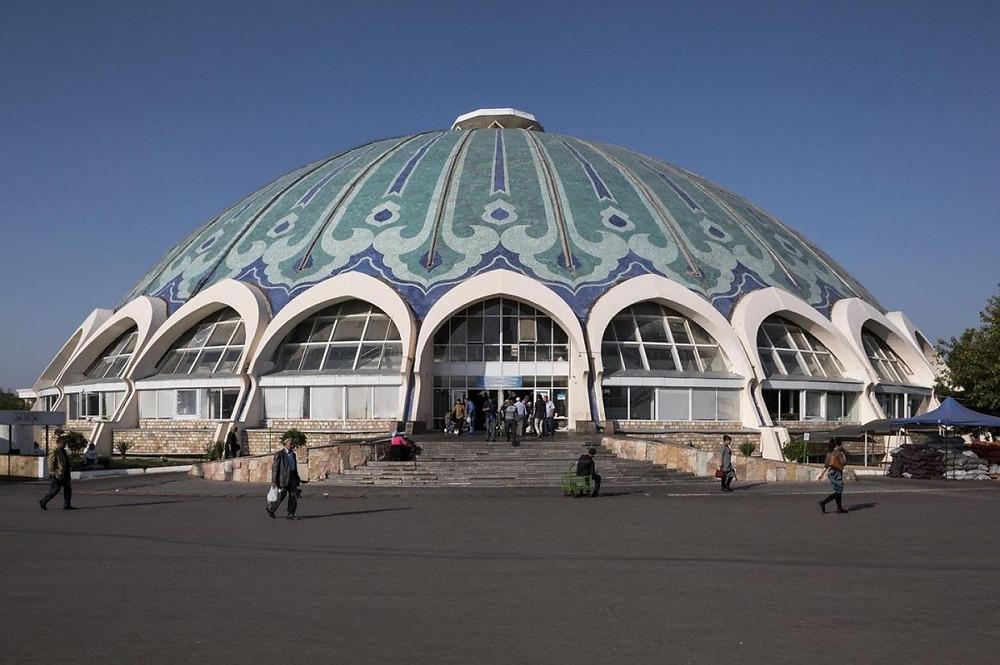 Chorsu Bazaar (1980). Tashkent, Uzbekistan. Ảnh: Stefano Perego
