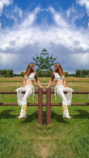 Divine White Regal Velvet Tie Belles Set