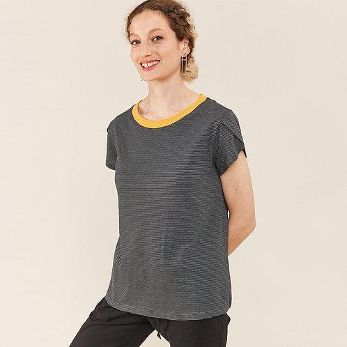 חולצת קונכיה - שרוול מעטפה