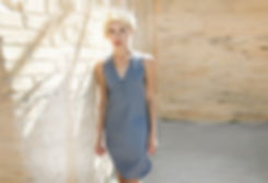 שמלה אפורה כפתורי רגל - מיכל אמה