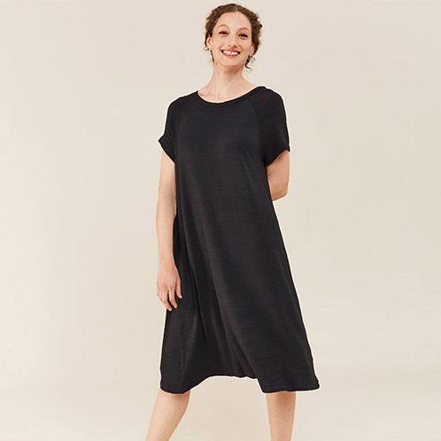 שמלה מתרחבת - אדווה
