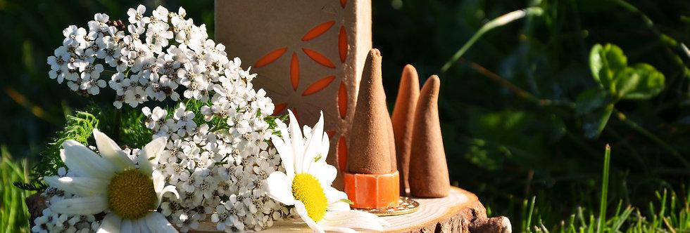 Organic Goodness 12 Incense Cones & Earthen Burner - Patchouli
