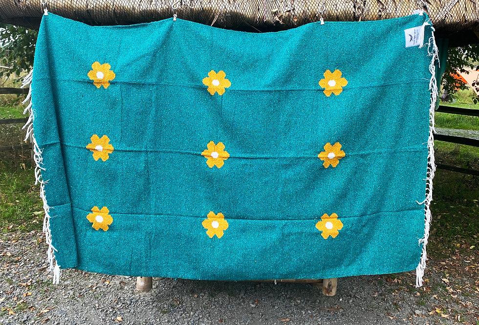 Lazy Daisy Blanket - Turquoise