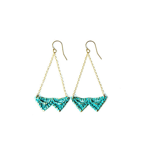 Double Pyramid lace earrings in blue bronze