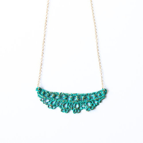 Chantilly lace necklace in blue bronze