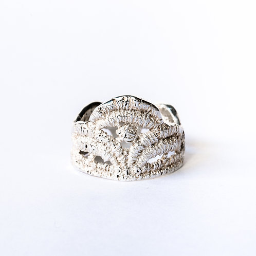 Empire lace ring in sterling silver