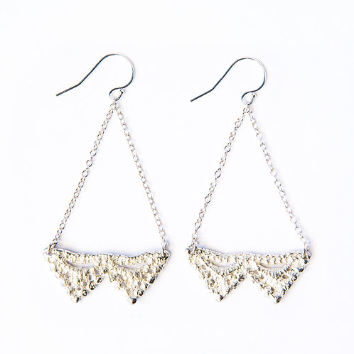 Double Pyramid lace earrings in silver