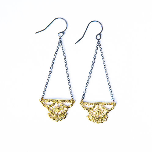 Lily lace earrings in 14k gold plate