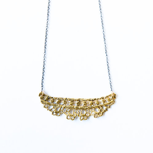 Chantilly lace necklace in 14k gold plating