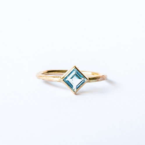 Blue topaz rough gold ring