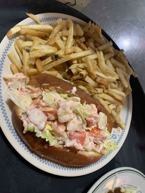 Lobster Roll with Homemade Fries