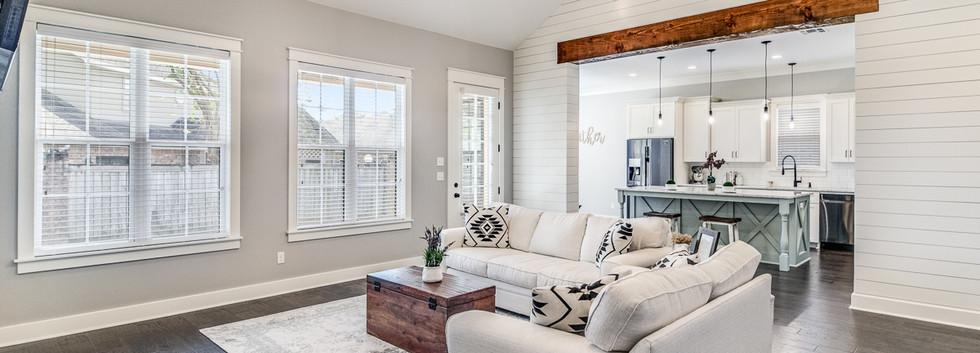 Passion-Home-Thomas-Living Room
