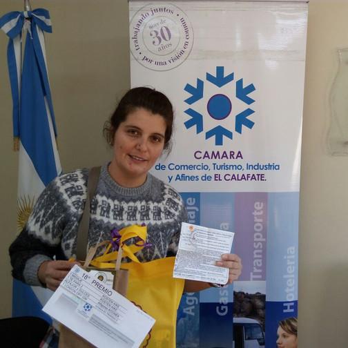 18 Premio_-Maria Llancabure (recibió