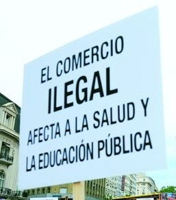 Pancartas-criticas-comercio-pidieron-solucion_IECIMA20111222_0006_7.jpg