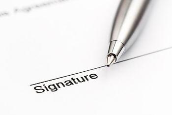 signatue.jpg