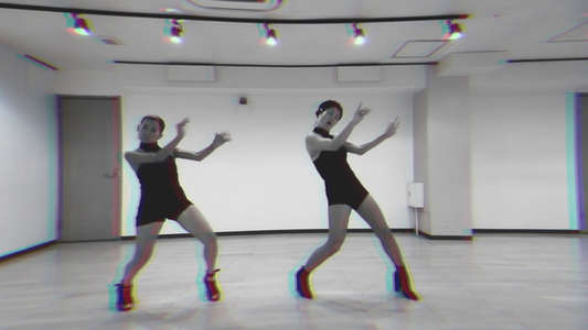 AI / NAOMI Dance Movie
