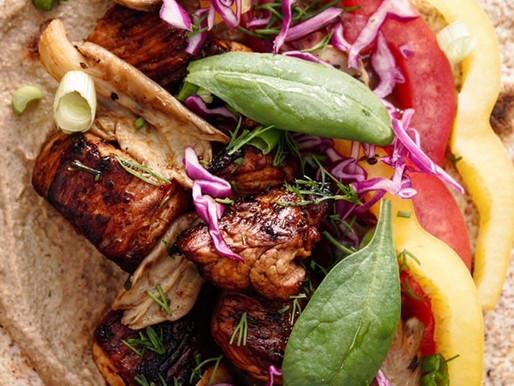 Tortillas με γαλοπούλα, φρέσκα λαχανικά και σως ταχίνι