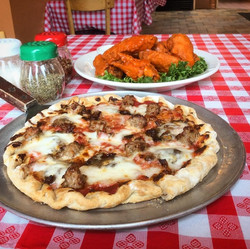 Wise Guy Pizzetta and Wings