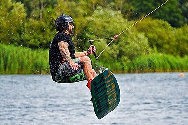 water-sports-5368747.jpg