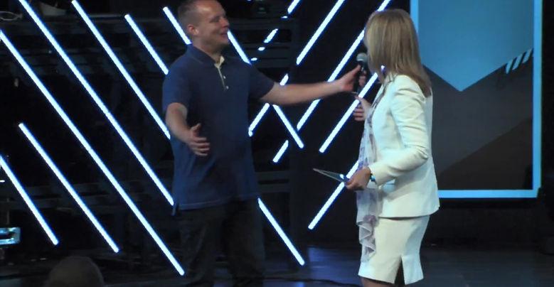 Pastor Matthew Barnett of the LA Dream Center talking about Rhonda Sciortino's talk at Angeles Temple