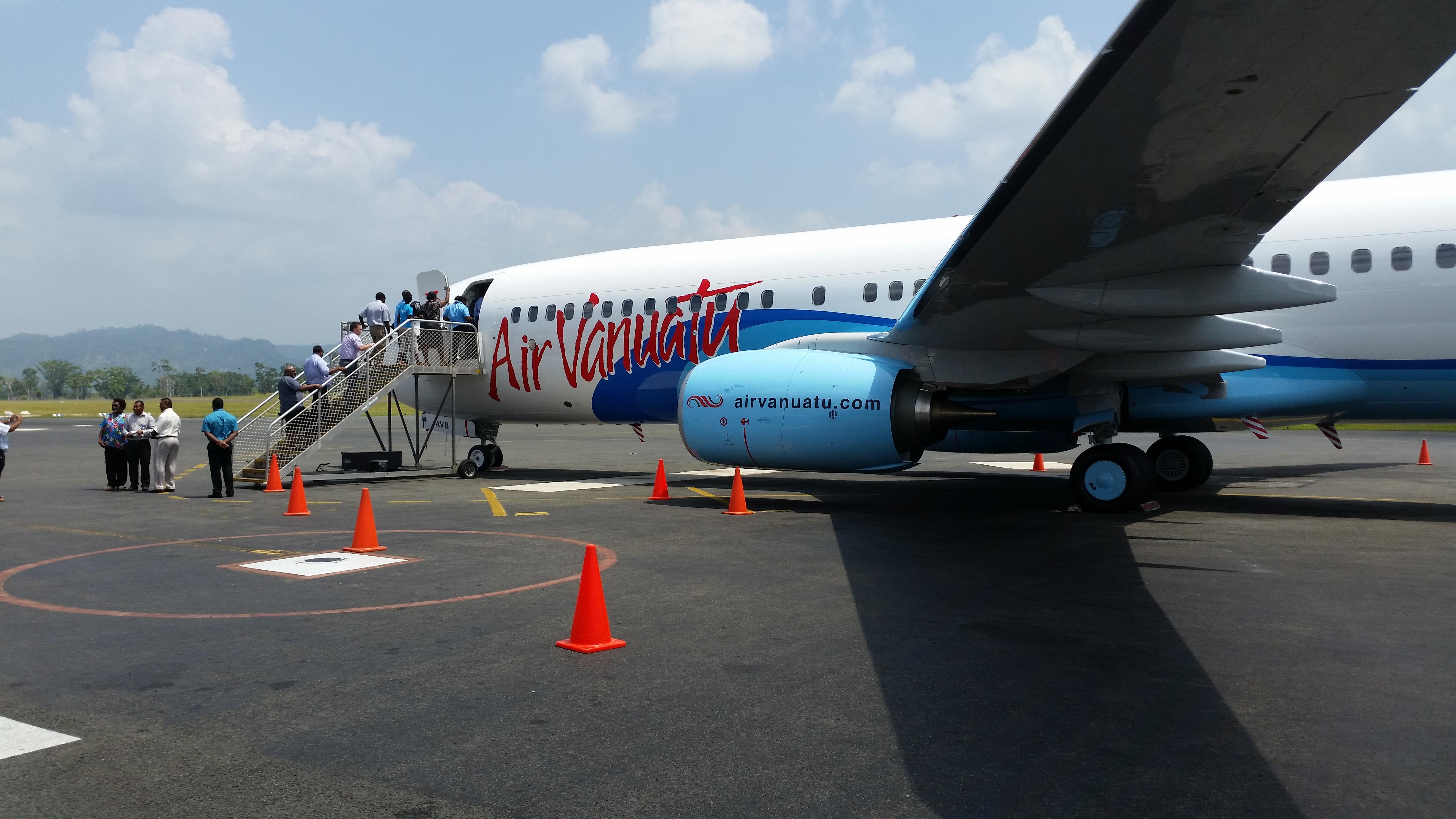 Air Vanuatu BNoeing 737800-4.jpg
