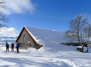 Chalet in snow and sunshine on the 'Snow