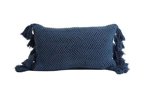 Coussin rectangle bleu avec pompons 60cmx30cm