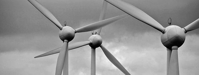 wind-turbine-2819382_1920-mono.jpg