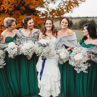 Stunning bride _loveschelsea and her bri