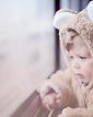 Child ved vinduet