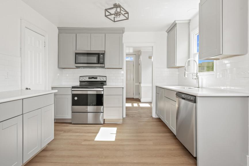 Simple but elegant home kitchen