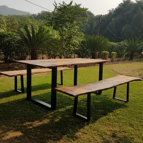 Outdoor Resin Picnic table