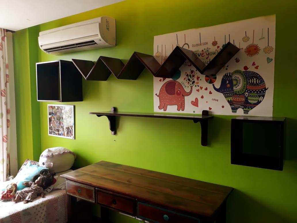 Reclaimed Pine Wood Shelves