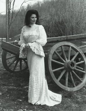 Loretta Wearing Coal Miner's Daughter Dr