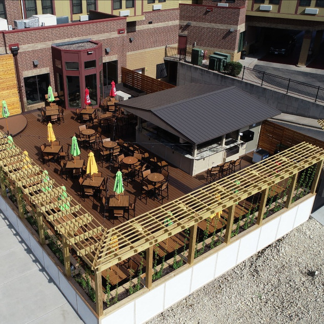 Juniors Bar & Grill Patio