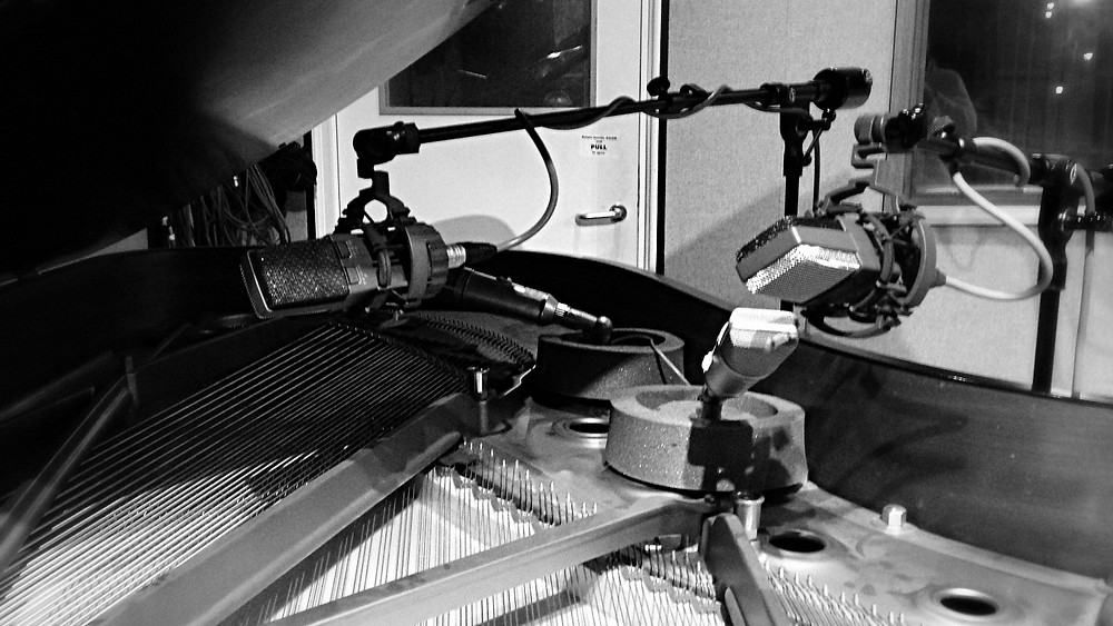 piano with close microphones