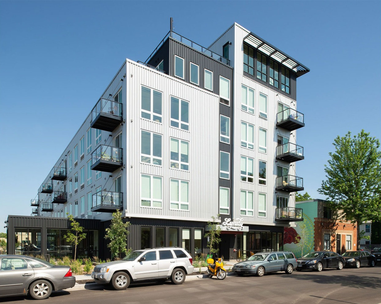 Martha Dayton Design: Lyndy Apartments