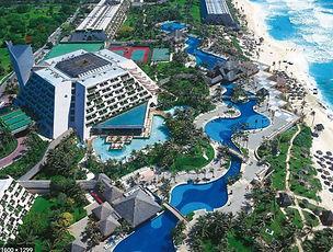 Oasis Cancun.JPG