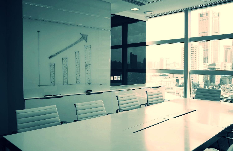 White boardroom 2015-6-12-20:0:0