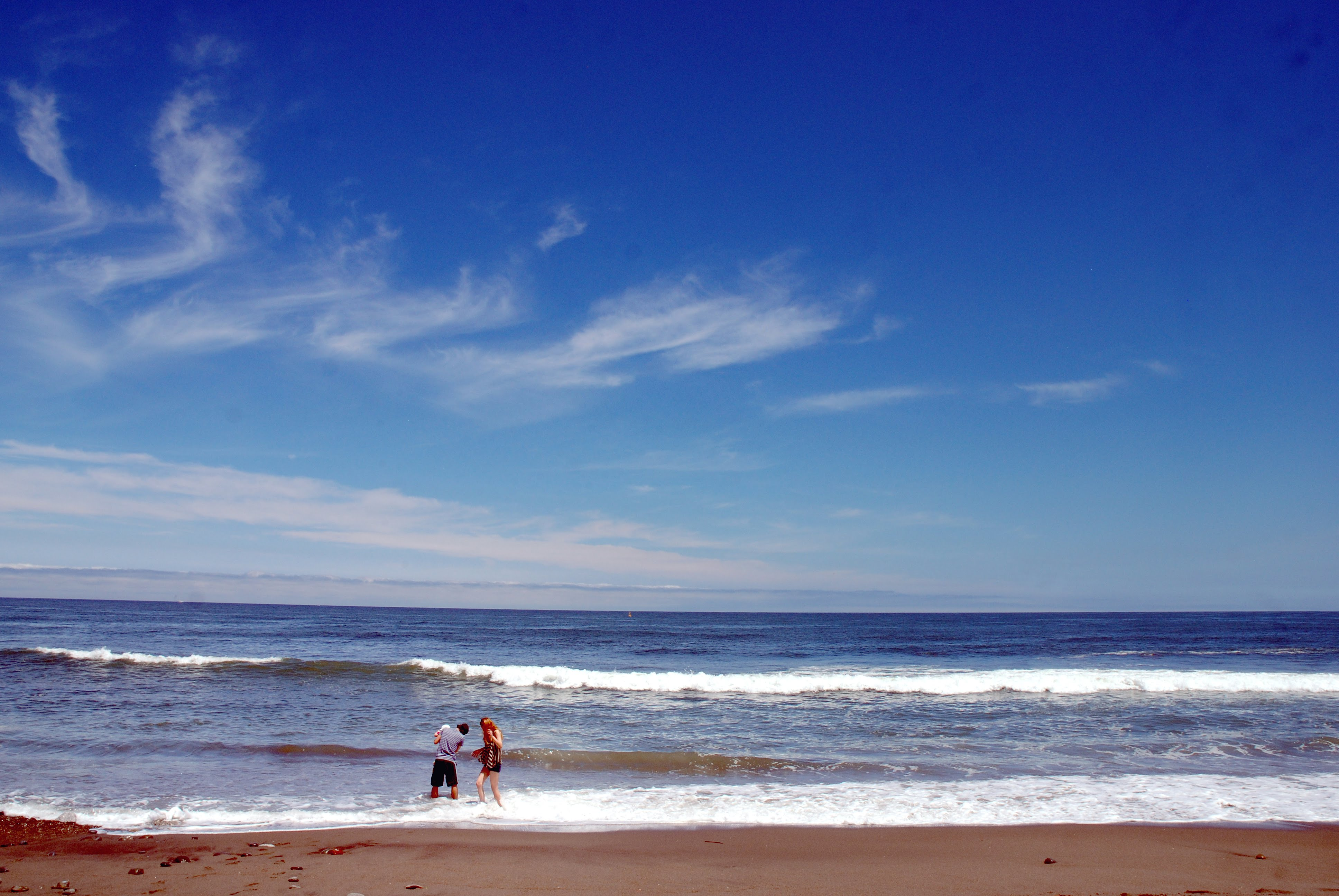 初夏の海岸-初めての海01