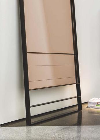 Visual Standing mirror
