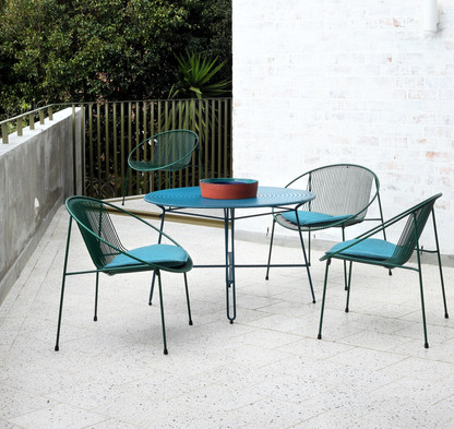 Hula dining chair and table